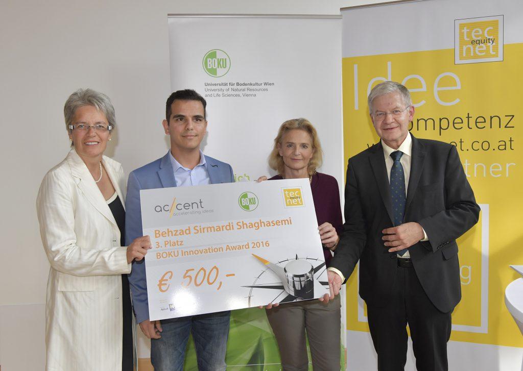 3. Platz Innovation Award 2016 Landesrätin Petra Bohuslav, Behzad Sirmardi Shaghasemi, Claudia Lingler, Josef Glößl; Copyright: NLK Johann Pfeiffer